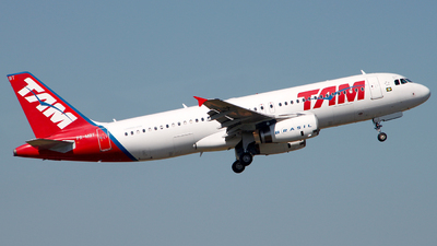 PR-MBT - Airbus A320-232 - TAM Linhas Aéreas