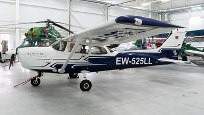 EW-525LL - Cessna 172S Skyhawk -  Skyer