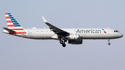 A picture of N909AM - Airbus A321231 - American Airlines - © Cesar Prieto