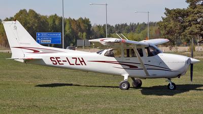A picture of SELZH - Cessna 172R Skyhawk -  - © Hans-Goran Spritt