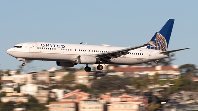 A picture of N37413 - Boeing 737924(ER) - United Airlines - © Yixin Chen