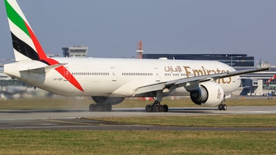 A6-EBV - Boeing 777-31HER - Emirates