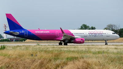 A picture of HALXZ - Airbus A321231 - Wizz Air - © Lucian Ojog