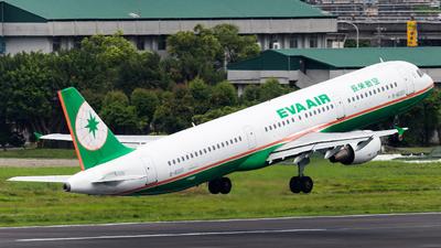 B-16203 - Airbus A321-211 - Eva Air