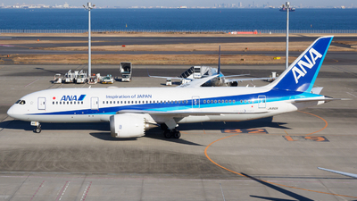 A picture of JA810A - Boeing 7878 Dreamliner - All Nippon Airways - © Yoshio Yamagishi