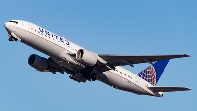 A picture of N223UA - Boeing 777222(ER) - United Airlines - © Devon McCune