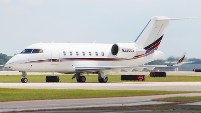 N220QS - Bombardier CL-600-2B16 Challenger 650 - NetJets Aviation