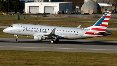 A picture of N228NN - Embraer E175LR - American Airlines - © mariaLXY