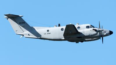 94-00318 - Beechcraft C-12V Huron - United States - US Army