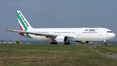 I-AIGJ - Boeing 767-304(ER) - Air Italy