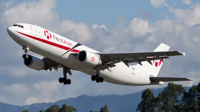 A picture of XAUYR - Airbus A300B4605R(F) - AeroUnion - © Jorge Saenz