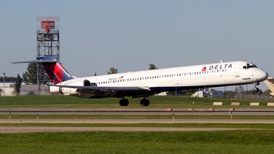 N901DA | McDonnell Douglas MD-90-30 | Delta Air Lines ...