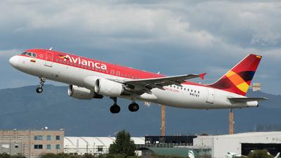 A picture of N417AV - Airbus A320214 - [4175] - © Radek Oneksiak