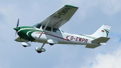 D-EWPR - Cessna 172N Skyhawk II - Private