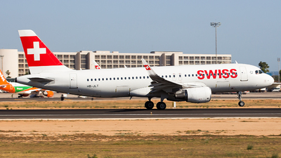 A picture of HBJLT - Airbus A320214 - Swiss - © Aitor Martinez Nieves