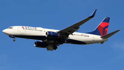 A picture of N3756 - Boeing 737832 - Delta Air Lines - © Huy Do