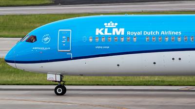 PH-BKC - Boeing 787-10 Dreamliner - KLM Royal Dutch Airlines