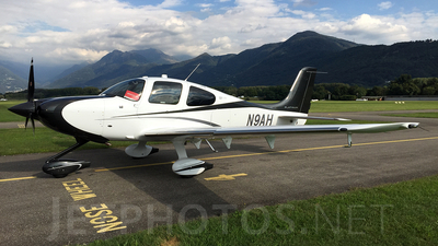 N9AH - Cirrus SR22 Platinum - Cirrus Design Corporation