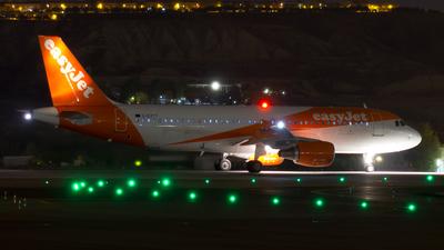 G-EZTT - Airbus A320-214 - easyJet