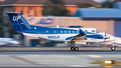 N805UP - Beechcraft B300 King Air - Wheels Up