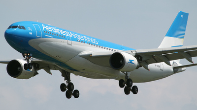 B-16306 - Airbus A330-203 - Aerolíneas Argentinas