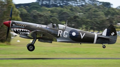 VH-HET - Supermarine Spitfire Mk.VIII - Temora Aviation Museum