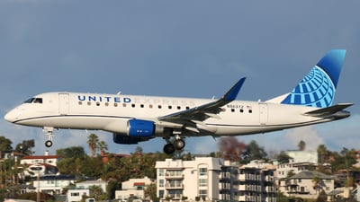 A picture of N86372 - Embraer E175LR - United Airlines - © Jack Jarzynka