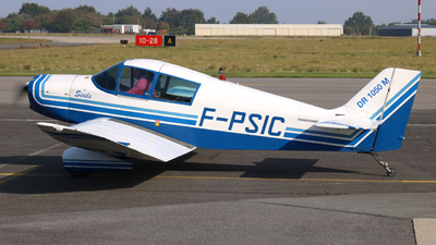 F-PSIC - Jodel 1050 M - Private