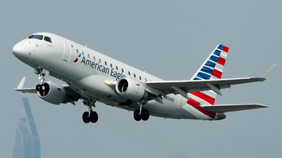N806MD - Embraer 170-100SU - American Eagle (Republic Airways)