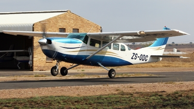 ZS-ODC - Cessna 207 Skywagon - Private