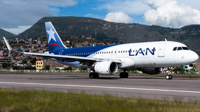 CC-BFH - Airbus A320-214 - LAN Airlines