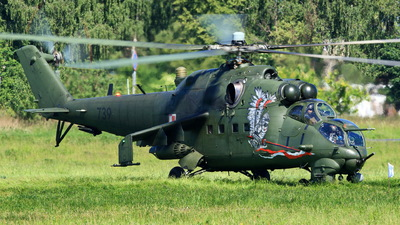 739 - Mil Mi-24V Hind E - Poland - Army