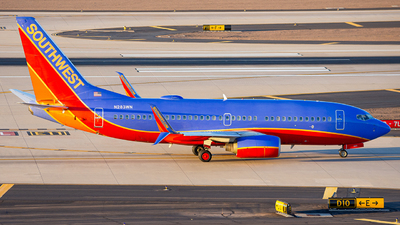 A picture of N283WN - Boeing 7377H4 - Southwest Airlines - © Alexander Owen