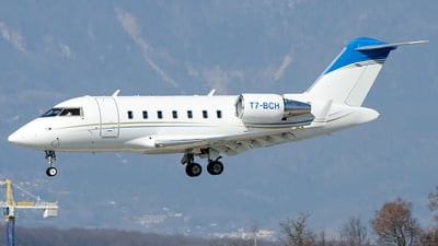 T7-BCH - Bombardier CL-600-2B16 Challenger 605 - Private