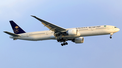 A picture of HZAK30 - Boeing 777368(ER) - Saudia - © M. Raykahn Ariga