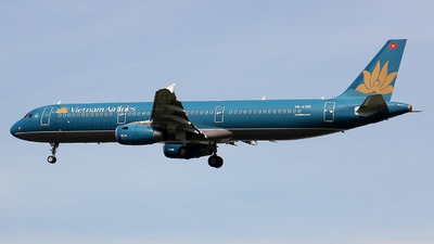 A picture of VNA395 - Airbus A321231 - Vietnam Airlines - © ThiNguyen_2910