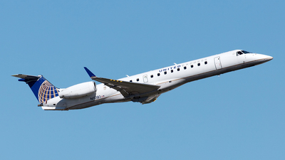 A picture of N11181 - Embraer ERJ145XR - United Airlines - © Yixin Chen