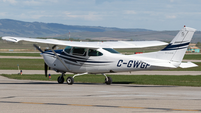 A picture of CGWGF - Cessna TR182 Turbo Skylane RG - [R18201367] - © Mike MacKinnon