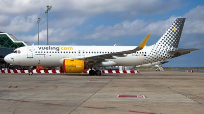 EC-NEA - Airbus A320-271N - Vueling