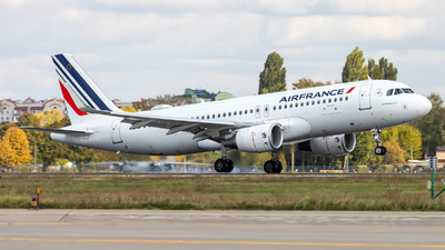 A picture of FHEPK - Airbus A320214 - Air France - © IhorKolesnyk