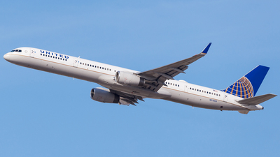 N57869 - Boeing 757-33N - United Airlines