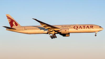 A picture of A7BEB - Boeing 7773DZ(ER) - Qatar Airways - © Oscar Wistrand