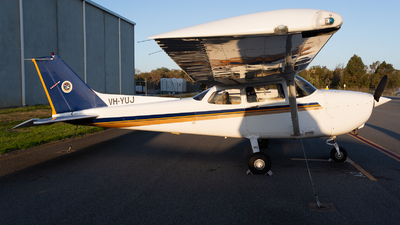 A picture of VHYUJ - Cessna 172R Skyhawk - [17281226] - © Joel Baverstock