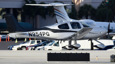 N954PG - Cirrus SR22-GTS G5 Carbon - Private