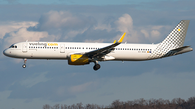 EC-MHB - Airbus A321-231 - Vueling Airlines