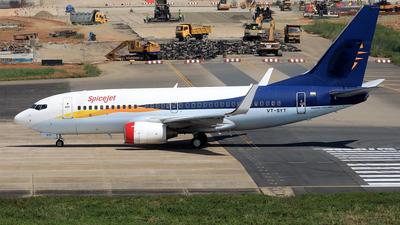 VT-SYT - Boeing 737-75R - SpiceJet