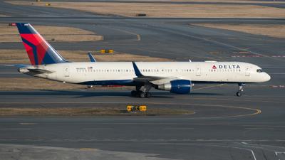 A picture of N685DA - Boeing 757232 - Delta Air Lines - © Aditya Saligrama
