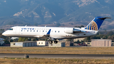 A picture of N930SW - Mitsubishi CRJ200ER - United Airlines - © Ricky Teteris