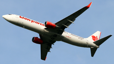 A picture of PKLGT - Boeing 7379GP(ER) - Lion Air - © utta
