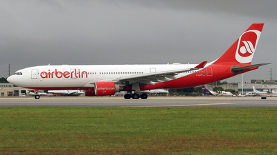 D-ALPF - Airbus A330-223 - Air Berlin